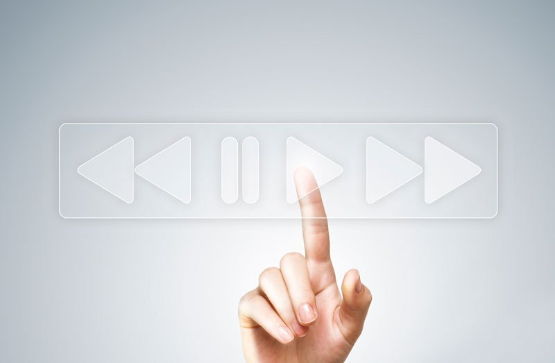Vimeo vs YouTube: Which should you use for your Business?